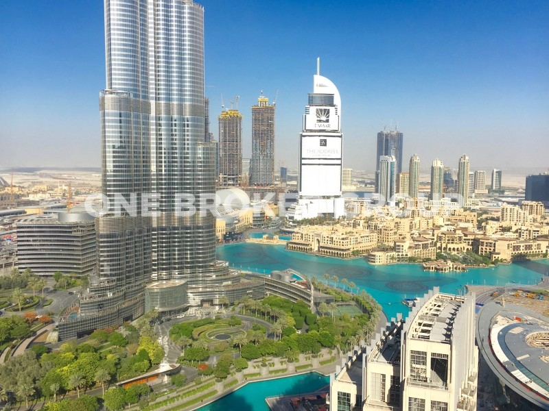 Full Burj Khalifa and Fountain views Apt