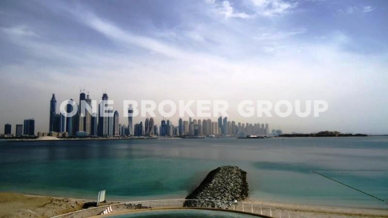 Elegant 2 BR plus S,Full Marina and Sea Views