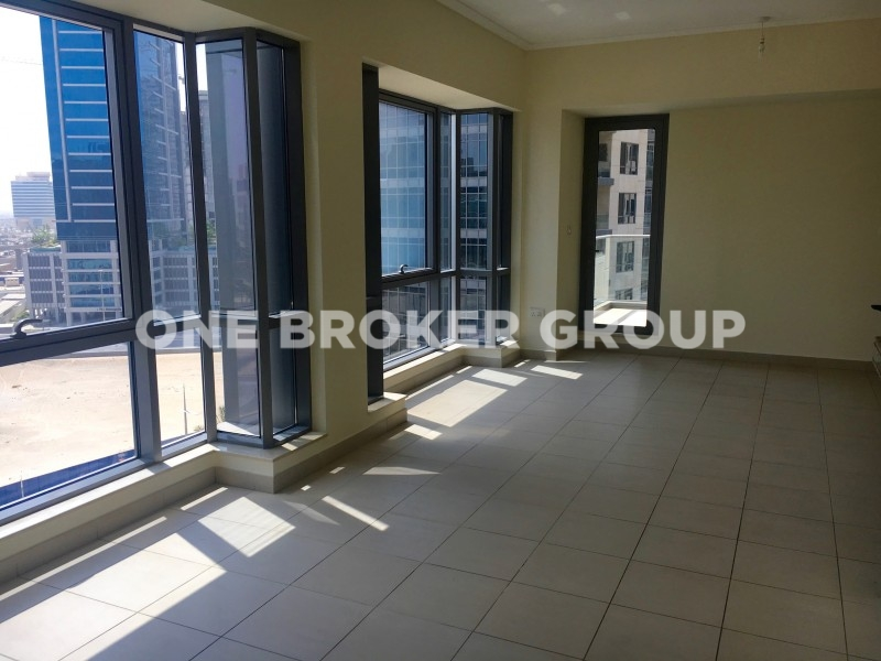Spacious and well-maintained 1BR, Pool View