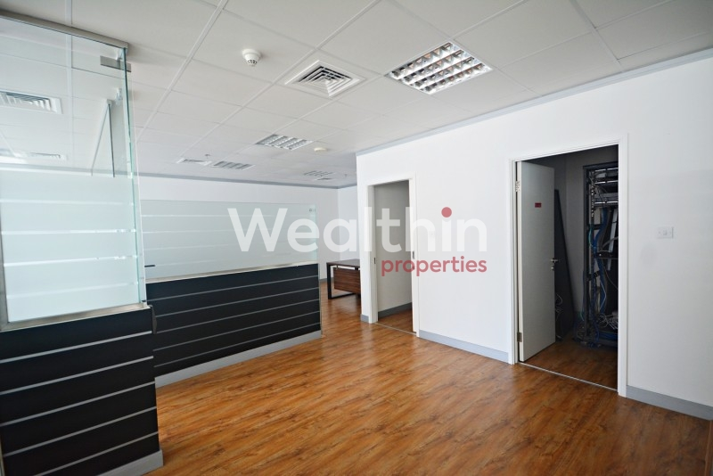Fully Fitted Office With Partitions And View To Sheikh Zayed Road In Reef