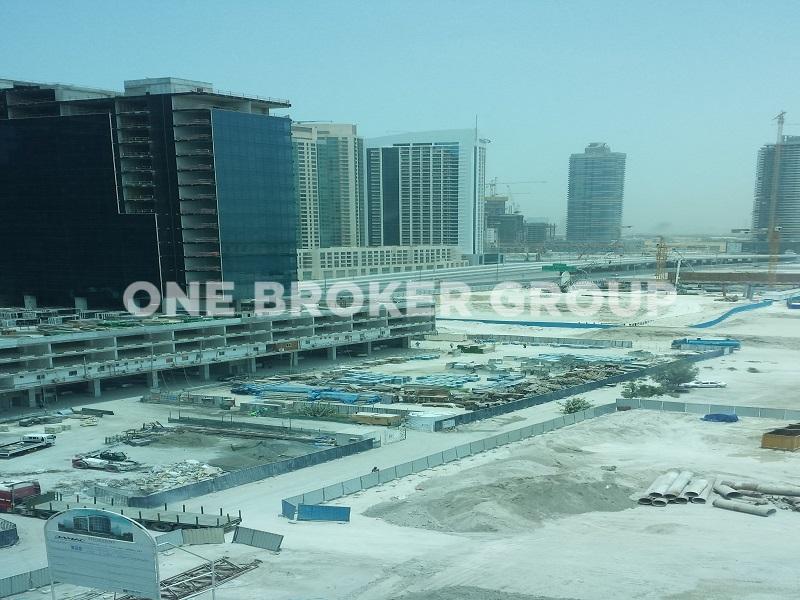 Large Commercial Unit, 11 Parking Spaces