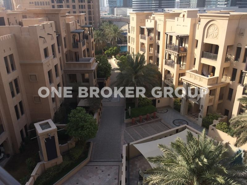 Large 1BR with Nice Private Garden,Vacant
