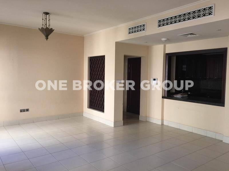 High Quality 1BR with Huge Private Garden