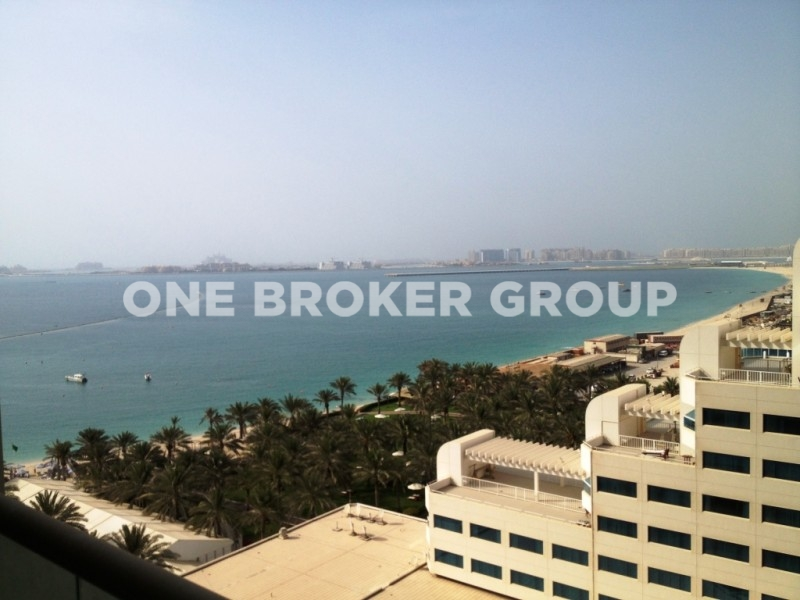 Spacious 1 Bedroom Apt with Sea view