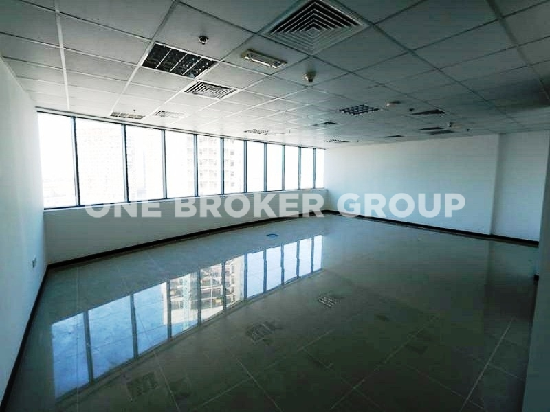 Vacant, Large Fitted Office in XL Tower