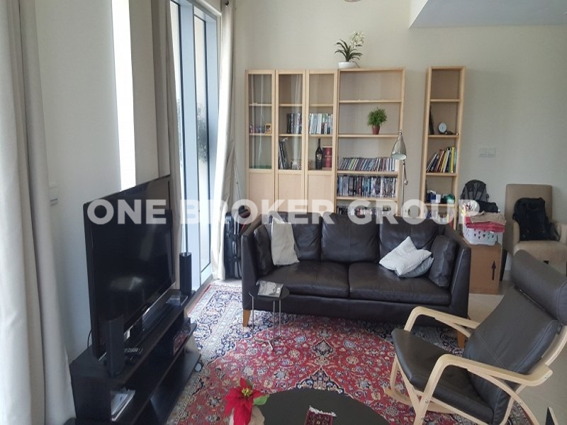 Move in May 1st,Large 1BR with Canal View