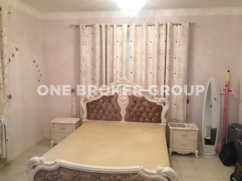 Semi Furnished 2BR+Maids,New World Style