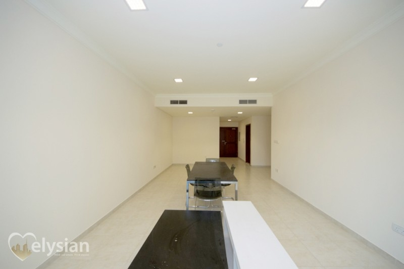 2 Bed, Marina Heights, Next to The Walk!