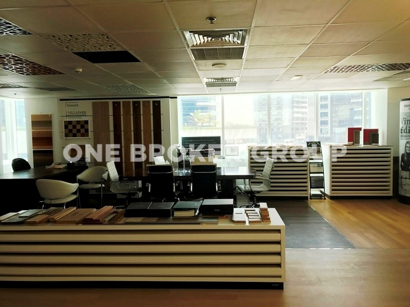 Fitted office space in Cayan Business Center