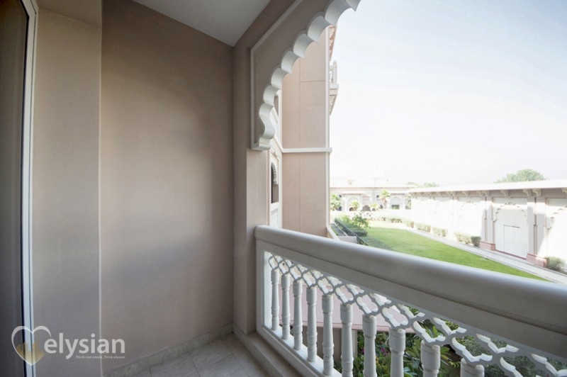 Stunning and Furnished 1BR Taj Grandeur
