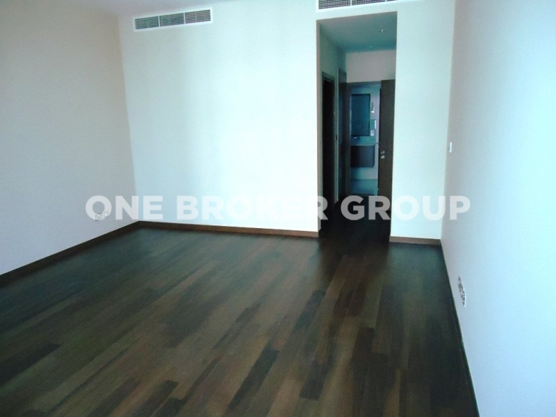 Spacious 3BR plus Maid and Study,Sea View