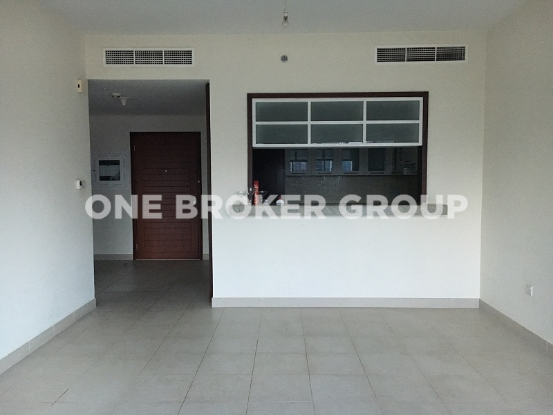 Stunning & Spacious 1 bedroom apartment