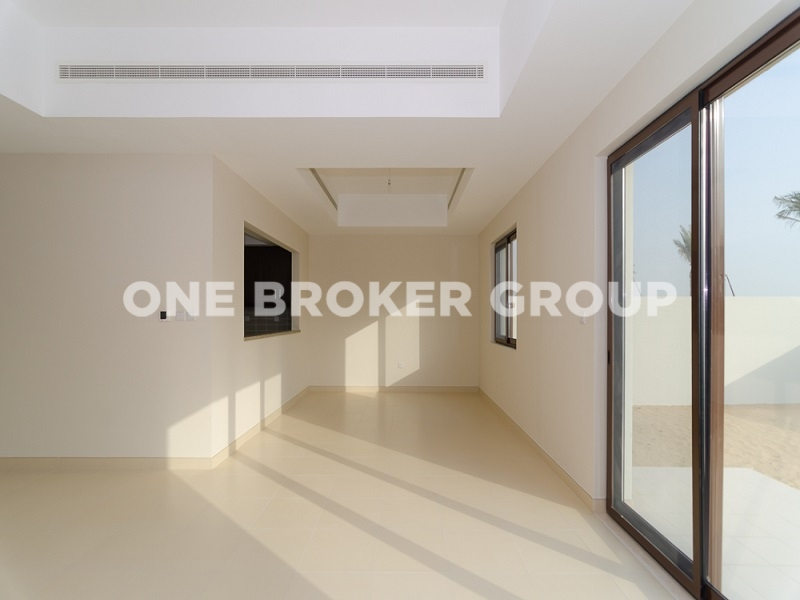 Unfurnished Middle Unit 3 Bed Villa in Mira 4
