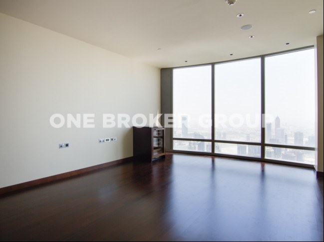 1 BR Apt with Sea and Partial Sea View