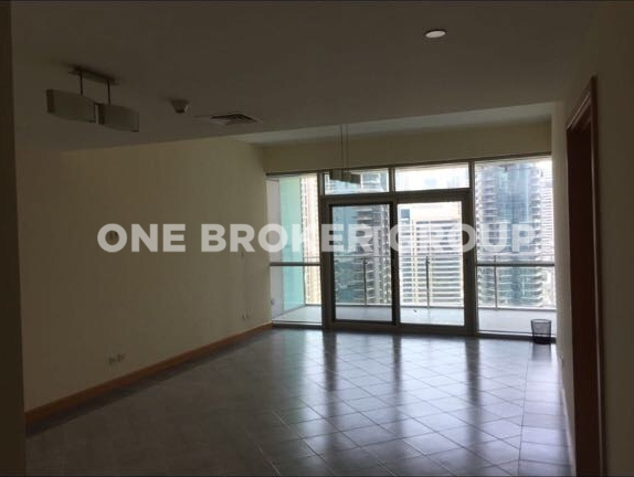 Spacious 1 BR Apartment with Marina View