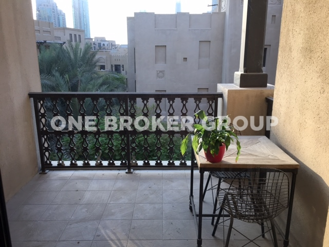 Unfurnished 1BR Apt w/ Burj Khalifa View
