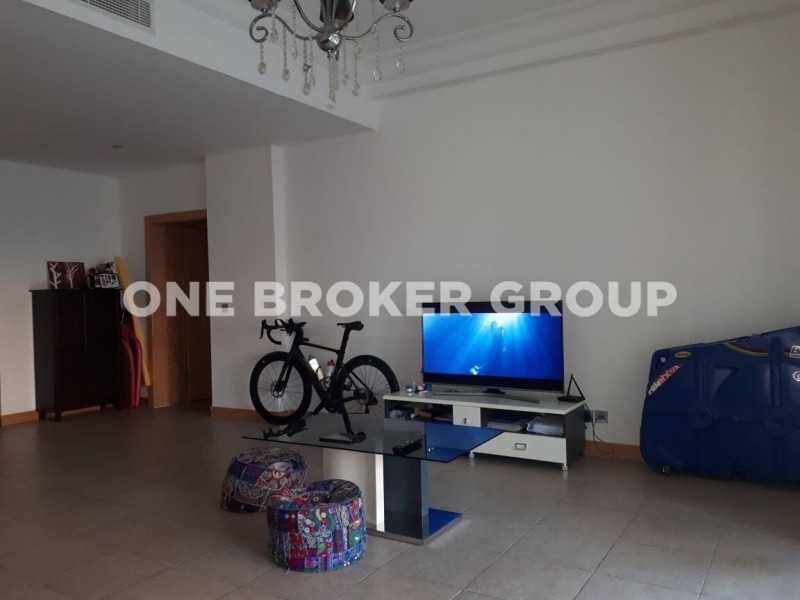 Unfurnished 1 Bed Apartment with Park View