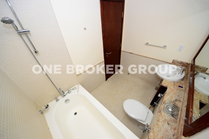 Higher Floor, Extremely Bright,1 Bedroom