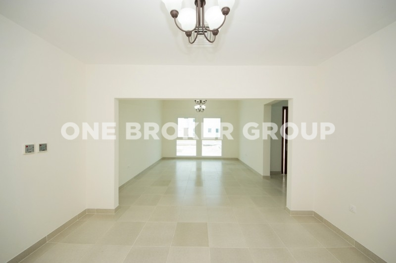 Well Maintained 5 Bed Plus Maids, Vacant