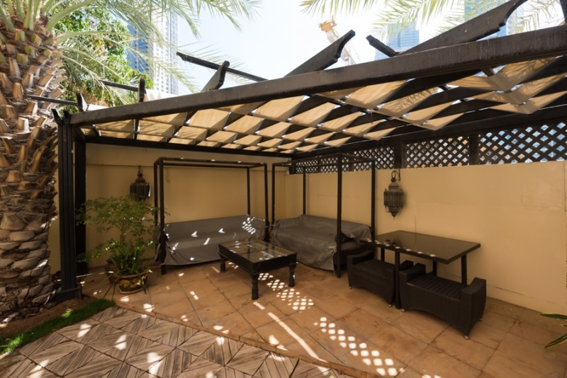 Fantastic Garden 1 BR+Study apt in Miska