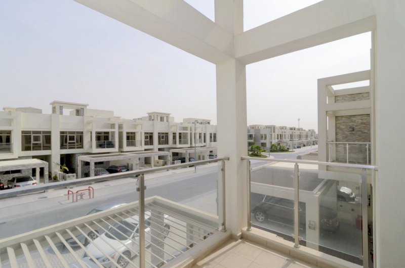 Single row 3 BR Polo Townhouse in Meydan