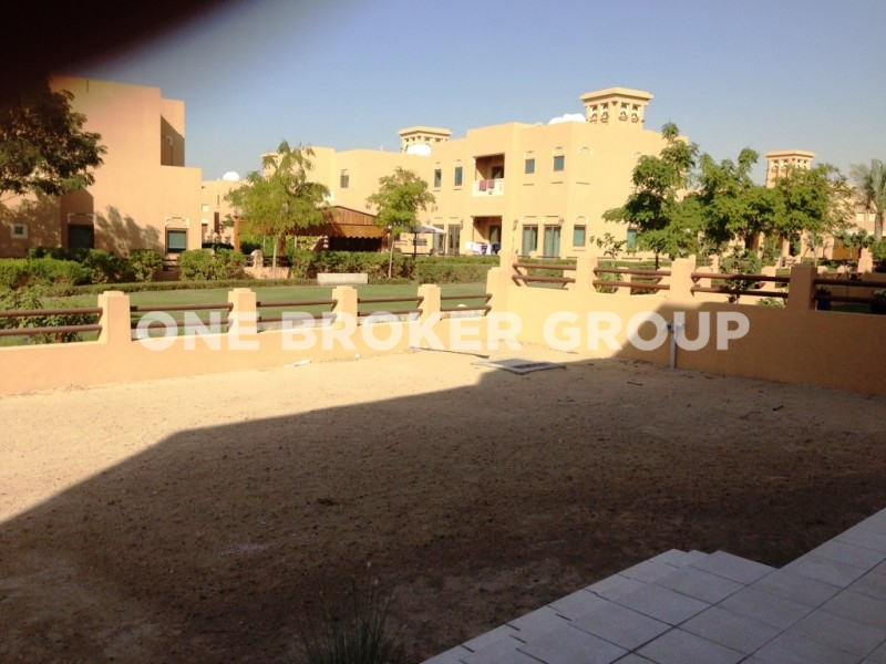 5 Bedroom Villa With Landscaped Garden