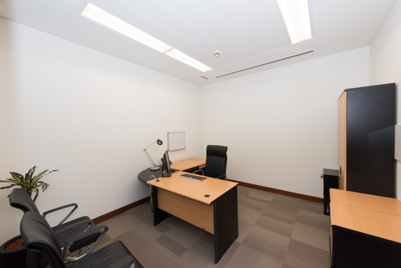 Fully Fitted Office in Boulevard Plaza T1