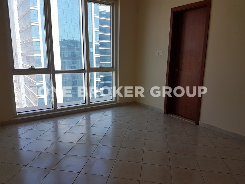 Distressed deal in 750k 2 BR apt 1350 sqft, 3 bathrooms