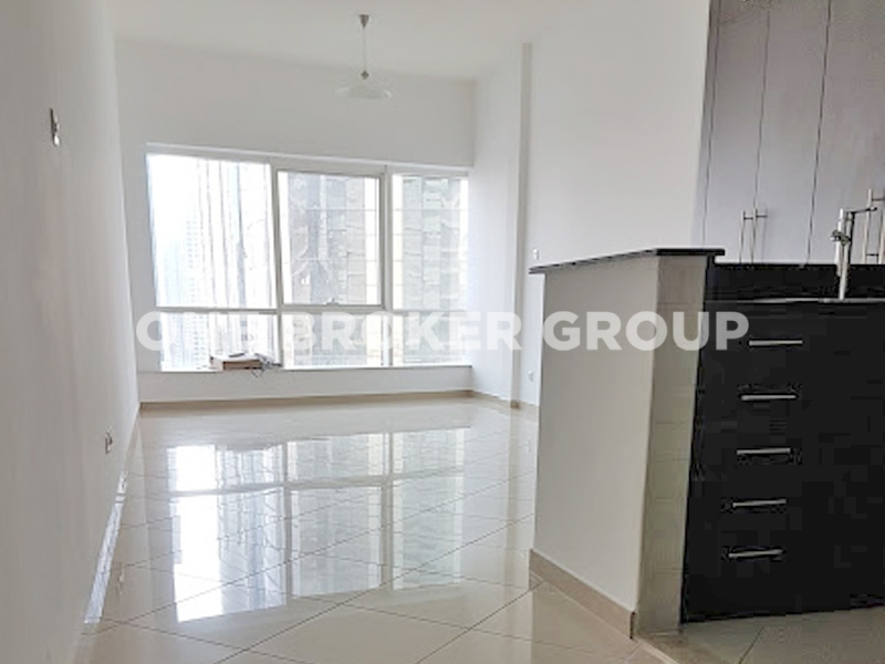 Large Studio Equipped Kitchen On High Flopor