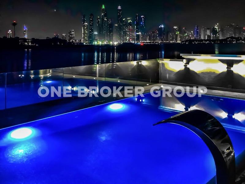 Golden Upgrad Infinity Pool Skyline View