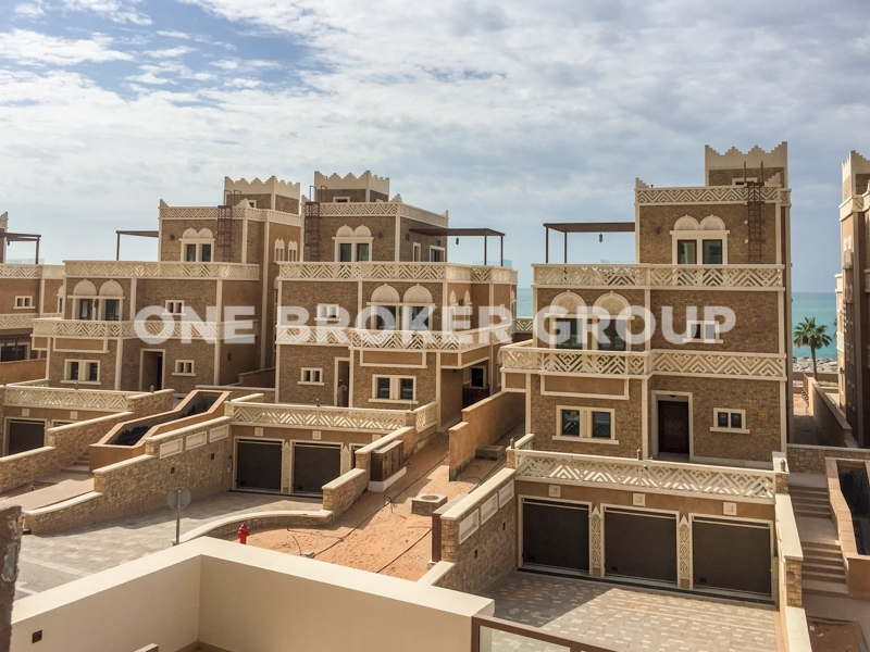 Best Value, 3 Bedroom In Balqis Residence