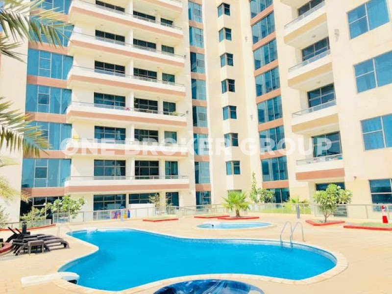 Fully Furnished 3 Bed Apt. Avenue Residence