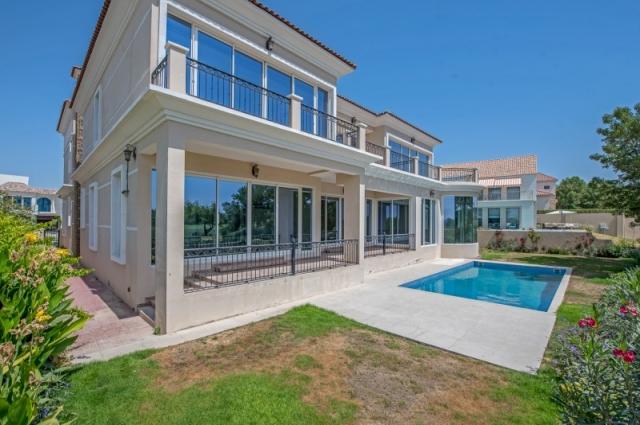 6 Bedroom Villa