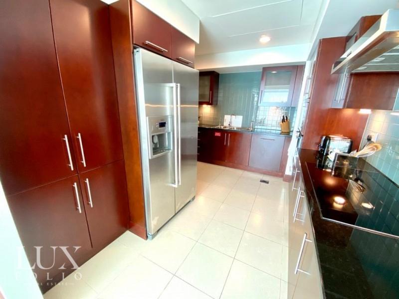 Jumeirah Living, World Trade Centre, Dubai image 6