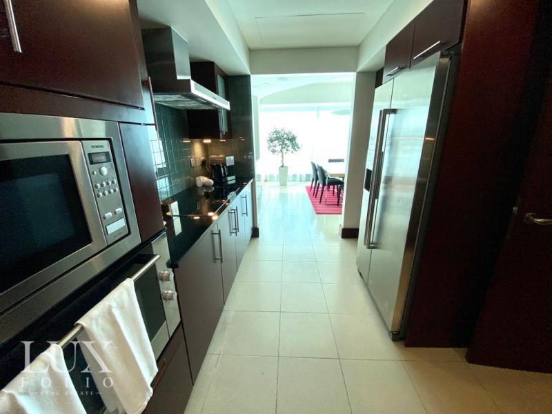 Jumeirah Living, World Trade Centre, Dubai image 5