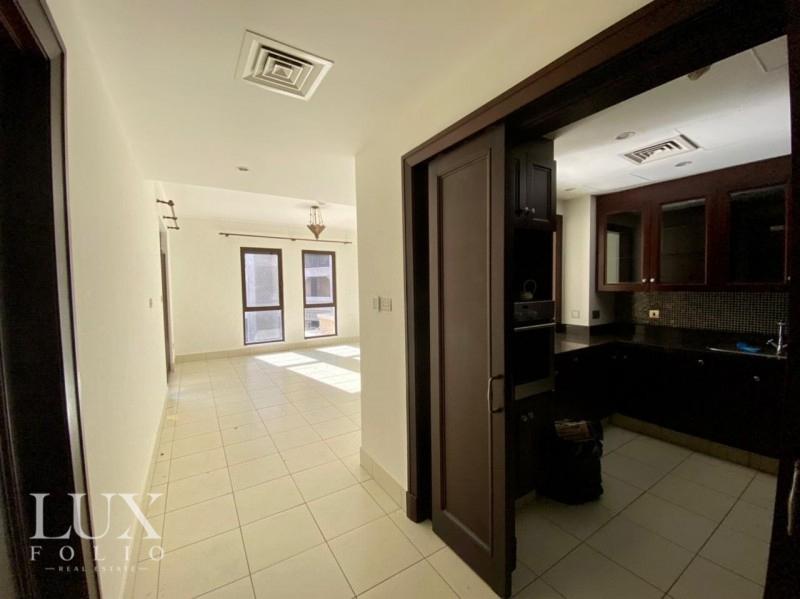 Reehan 8, Old Town, Dubai image 3