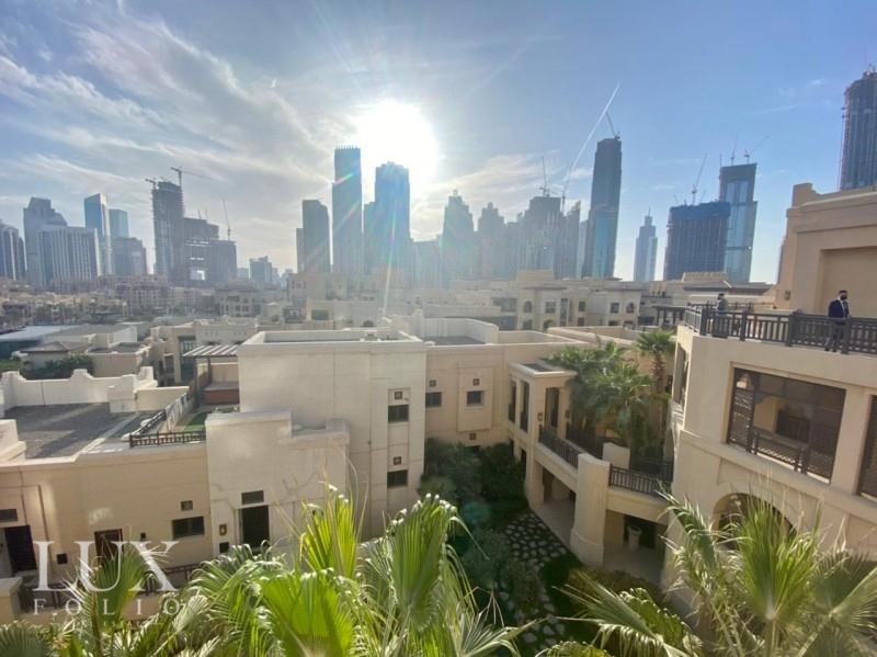 Al Tajer Residence, Old Town, Dubai image 18
