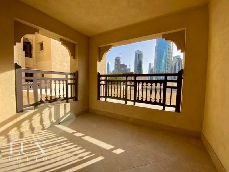 Al Tajer Residence, Old Town, Dubai image 15