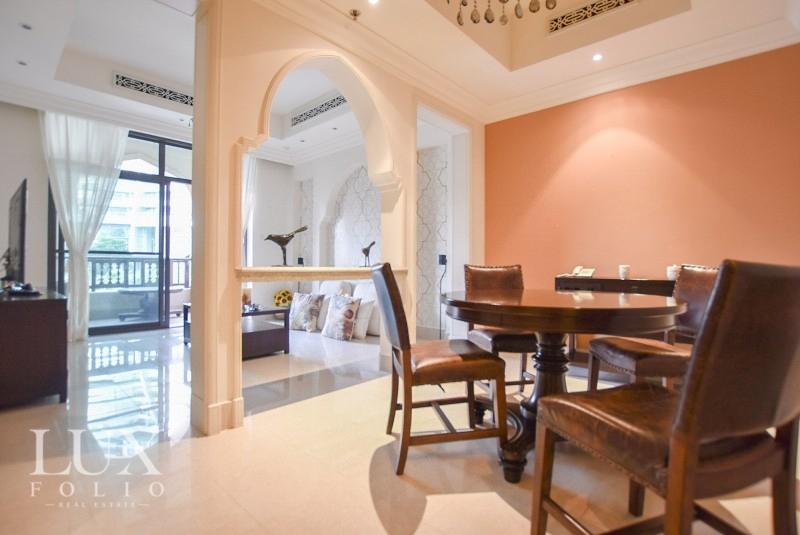 Al Tajer Residence, Old Town, Dubai image 1
