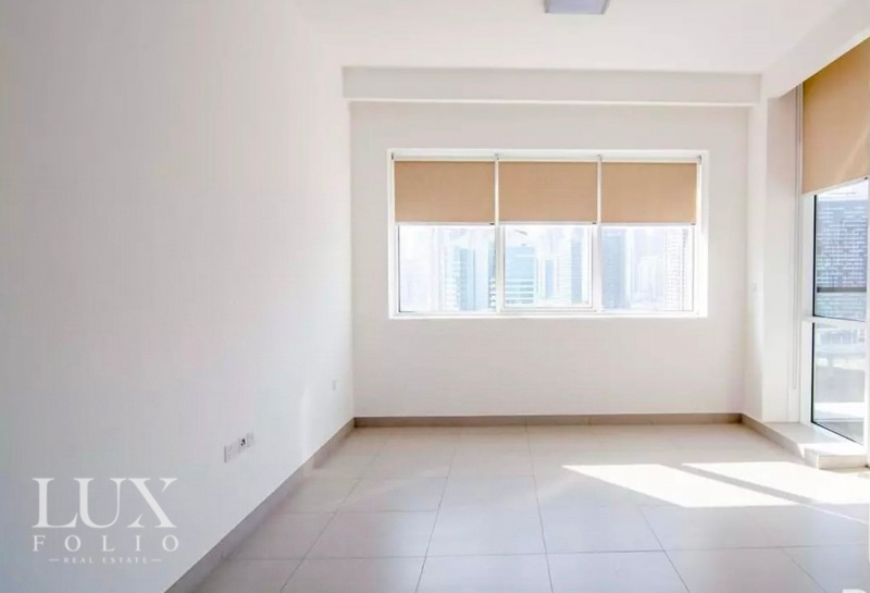 Vezul Residence, Business Bay, Dubai image 2