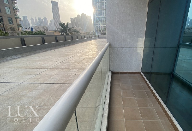 Burj Al Nujoom, Downtown Dubai, Dubai image 0