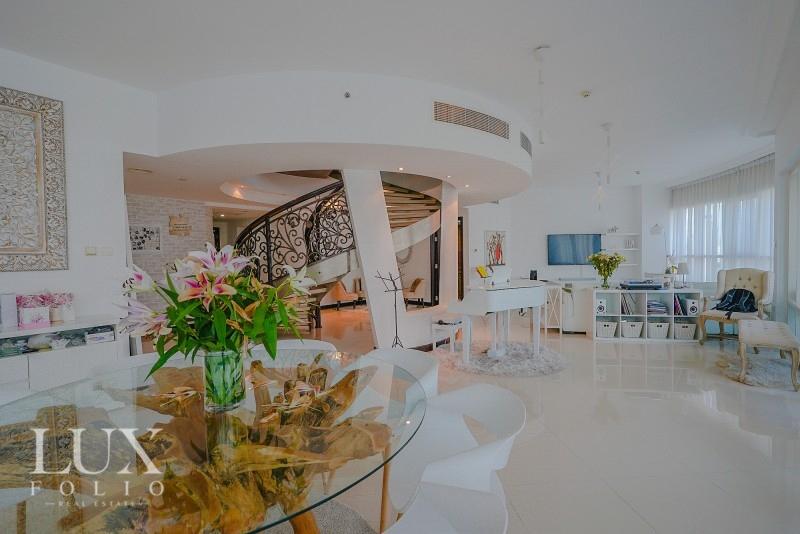 O2 Residence, Jumeirah Lake Towers, Dubai image 2
