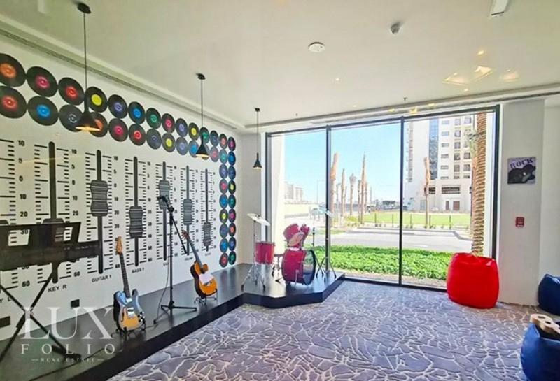 Una Apartments, Town Square, Dubai image 3