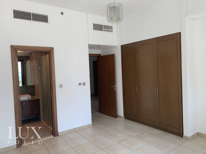 Marina Residence 2, Palm Jumeirah, Dubai image 2
