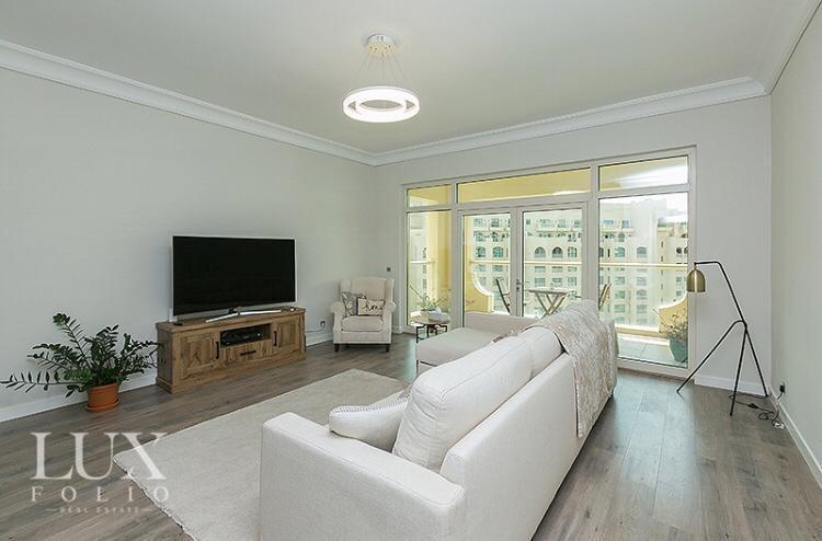 Shoreline Apartments, Palm Jumeirah, Dubai image 4