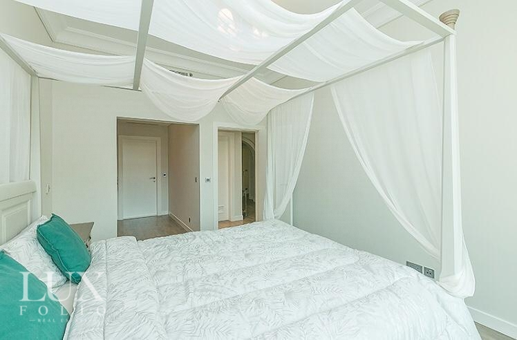 Shoreline Apartments, Palm Jumeirah, Dubai image 11