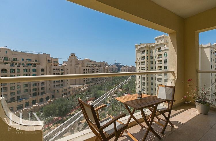 Shoreline Apartments, Palm Jumeirah, Dubai image 10