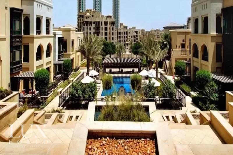 Al Tajer Residence, Old Town, Dubai image 8