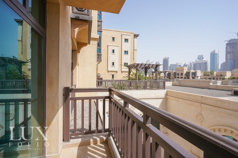 Al Tajer Residence, Old Town, Dubai image 17