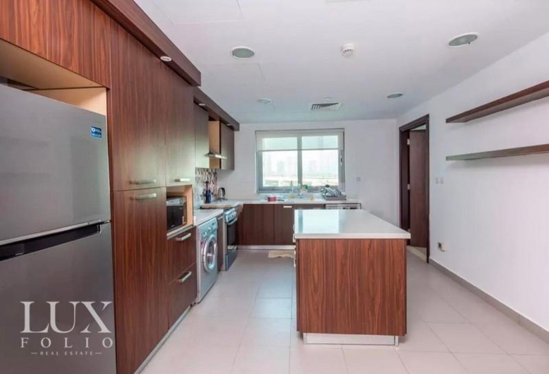 Azure Residences, Palm Jumeirah, Dubai image 2
